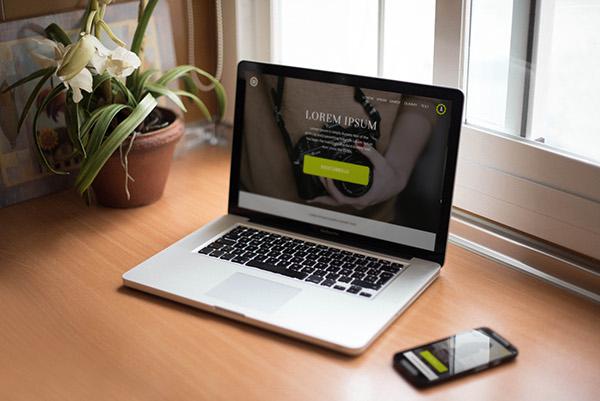 7-free-psd-smartphone-macbook-pro-mockups